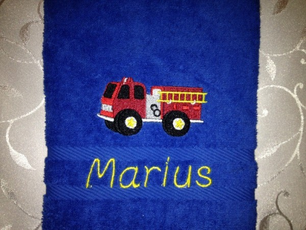 Handtuch 500 g/m Feuerwehrwagen Fahr 02 + Name
